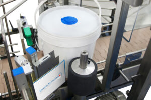 Automatic Buckets labeller Shemesh Automation